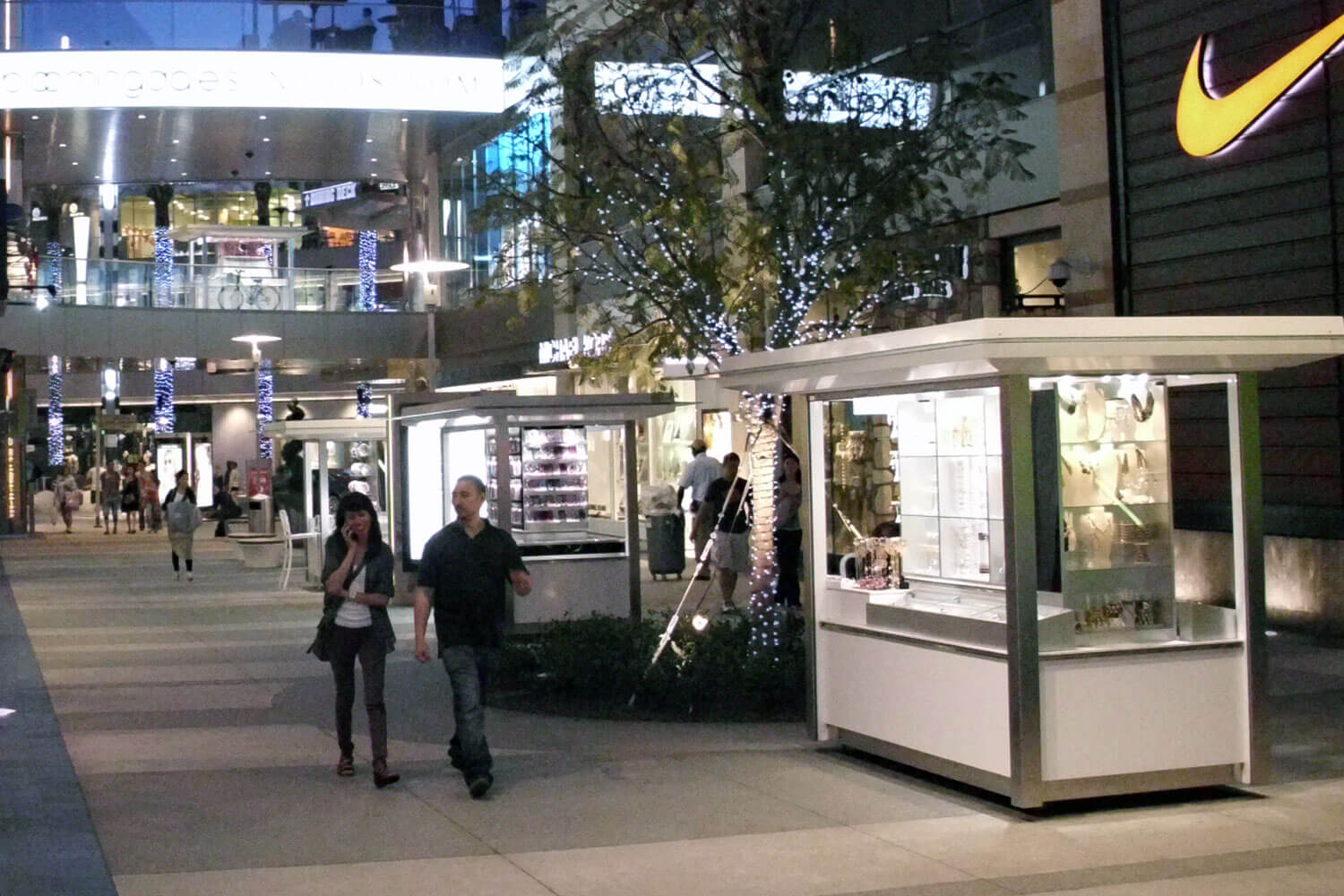 Concepts in Millwork   Santa Monica Place